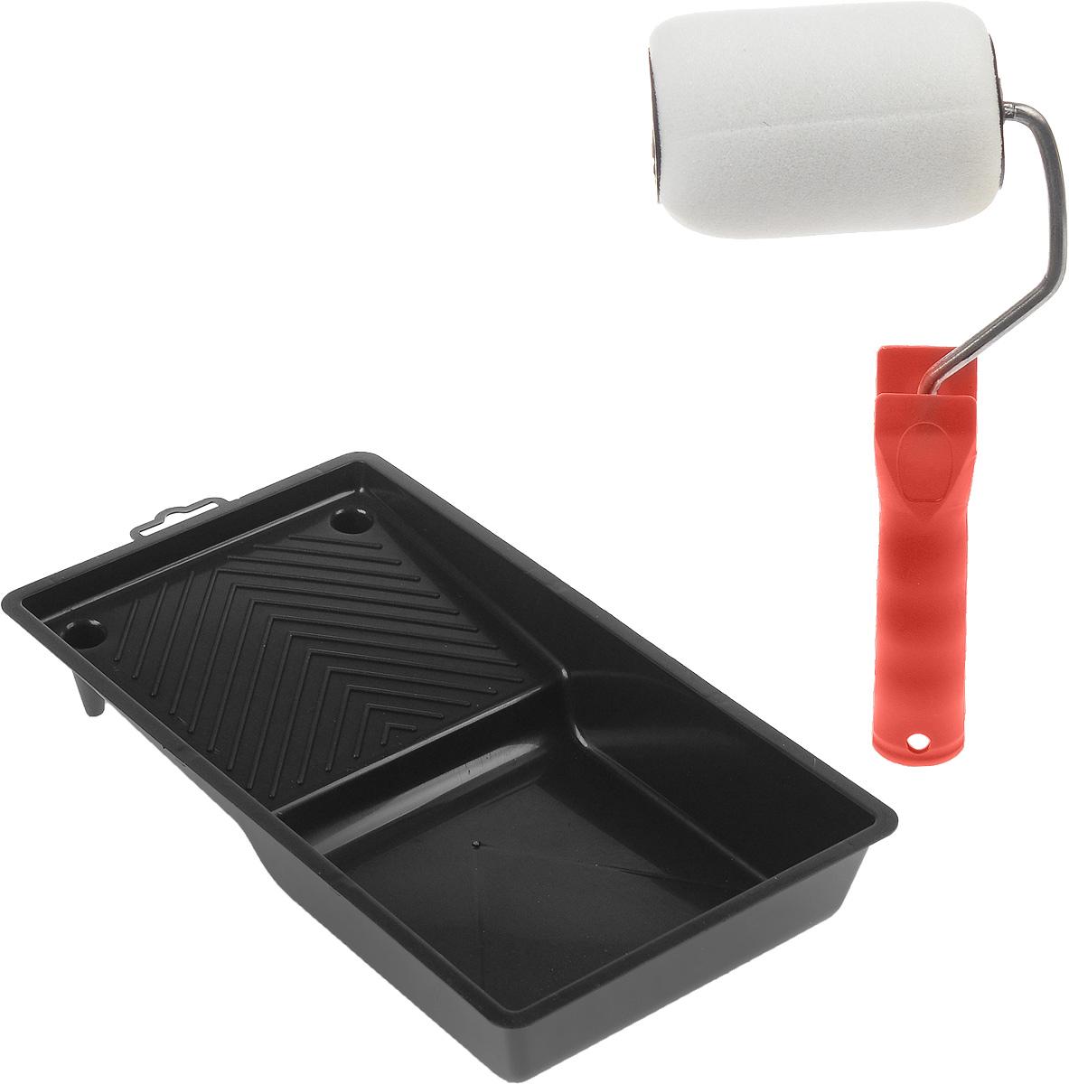 Валик малярный Fit, с ручкой, с ванночкой, 100 х 70 мм3001_красный с ванночкойМалярный валик Fit выполнен из поролона и оснащен эргономичной пластиковой ручкой. Используется с лакокрасочными материалами на водной и алкидной основах и масляными красками. В комплект входит ванночка. Длина ролика: 10 см. Диаметр ролика: 4,2 см. Размер валика: 28 х 12 х 6 см. Бюгель: 0,6 см. Размер ванночки: 29 х 15 см. Глубина ванночки: 4 см.
