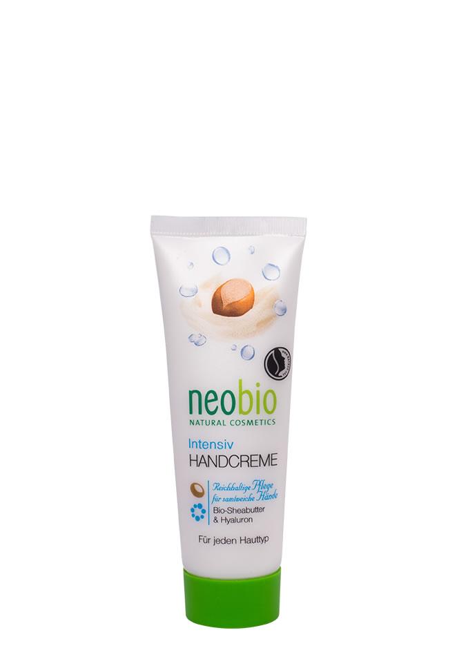 NEOBIO Интенсивный крем для рук, 50 мл - Neobio62379NEOBIO интенсивный крем для рук с био -маслом плодов ши и гиалуроновой кислотой Успокаивает и интенсивно питает кожу. Богатая текстура с био-маслом плодов дерева ши и гиалуроновой кислотой особенно подходит для сухой и раздраженной кожи. Благодаря сбалансированной рецептуре кожа рук постепенно восстанавливается. Регулярное применение крема NEOBIO делает кожу рук гладкой и нежной. Крем для рук NEOBIO идеально подходит для холодного время года.
