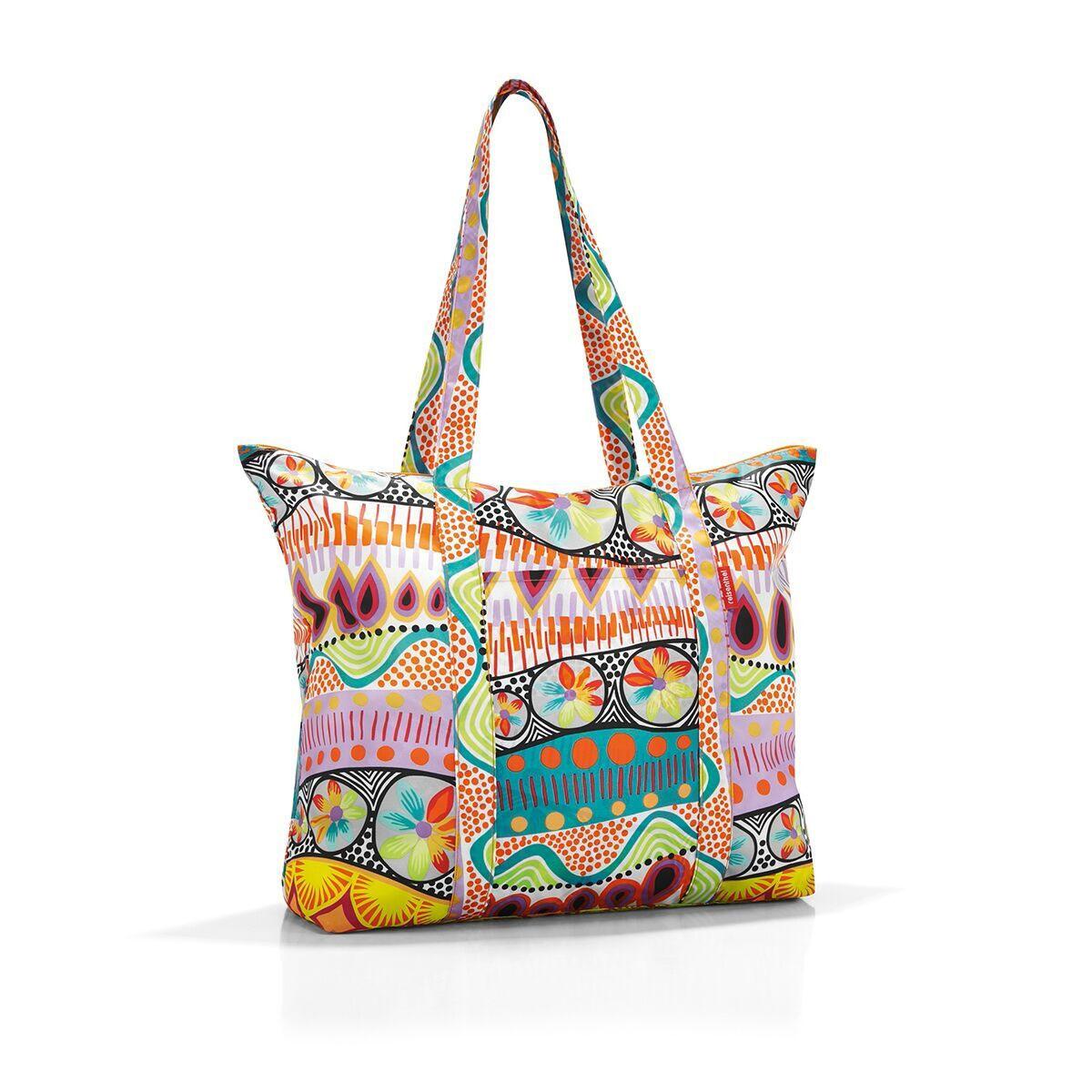 Сумка-шоппер женская Reisenthel, цвет: мультиколор. AE2020AE2020Идеальный компаньон для путешествий, ведь из поездки мы всегда возвращаемся со множеством сувениров и покупок. Так что еще одна сумка пригодится. Она легко складывается в маленький чехол, которые можно взять с собой в сумке или рюкзаке. Так же можно использовать для похода за продуктами. Внутренний объем сумки - 25 литров. Есть просторный внешний карман для мелочей.