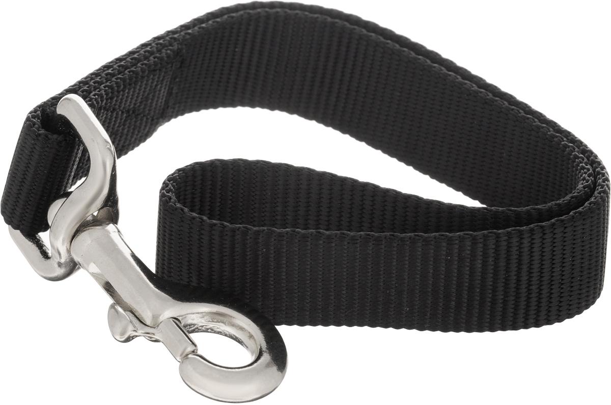 Водилка-ручка для собак V.I.Pet, цвет: черный, ширина 2,5 см, длина 35 см72-0401Водилка-ручка V.I.Pet изготовлена из брезента и стали. Это прочный короткий поводок с мощным карабином. Изделие удобно для городских прогулок, когда необходимо вести большую собаку рядом, также используется для дрессировки собак. Водилка-ручка отличается не только исключительной надежностью, но и привлекательным дизайном. Длина водилки: 35 см. Ширина водилки: 2,5 см.