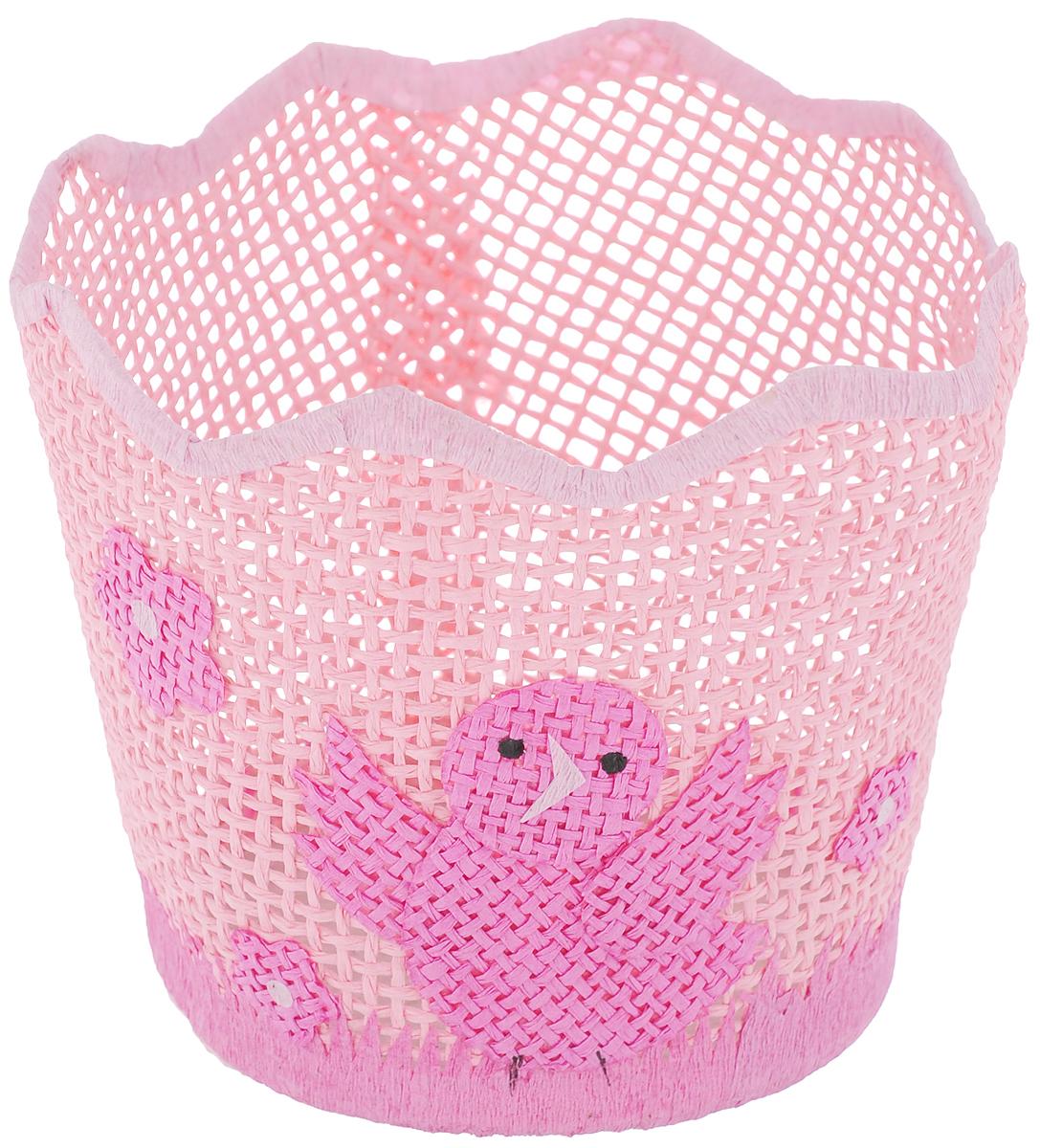 Корзина декоративная Home Queen Птичка-невеличка, цвет: розовый, диаметр 13 см64324_4Декоративная корзинка Home Queen Птичка-невеличка станет замечательным украшением интерьера на Пасху. Корзинка выполнена из прочной бумаги под плетение, дно изготовлено из плотного картона. Изделие декорировано изображением птички и цветов. Такая корзинка дополнит праздничный интерьер вашего дома и создаст особое весеннее настроение. Изделие отлично подходит для хранения пасхальных яиц или кулича.