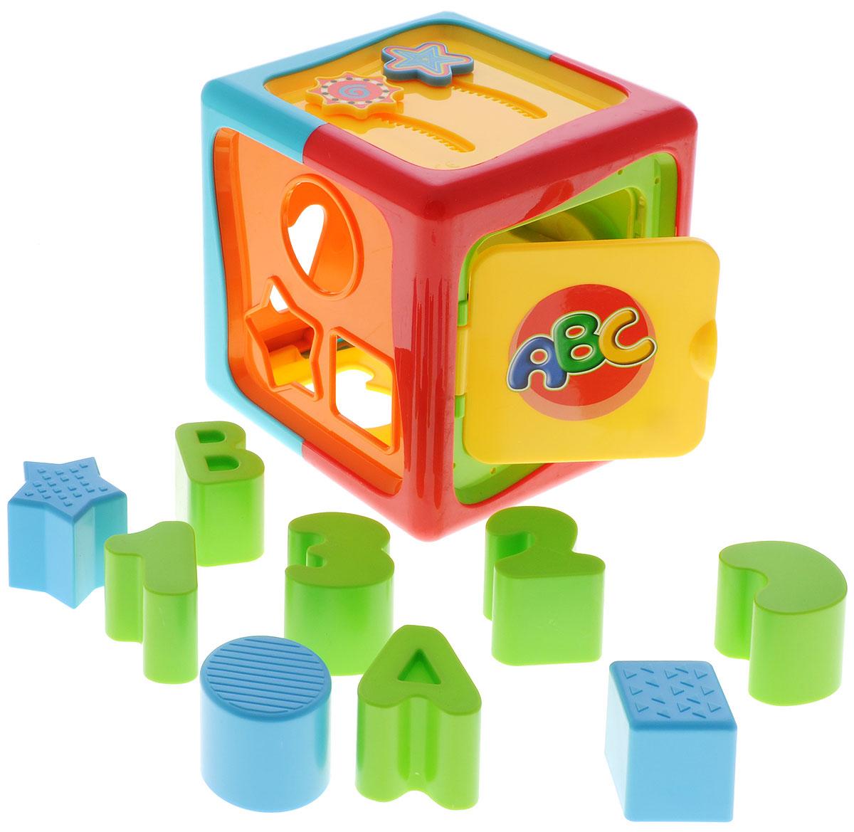 Simba Сортер Куб4011647Сортер Simba Куб с цифрами и фигурами представляет собой развивающую игрушку для малышей, выполненную из высококачественного пластика. На двух гранях расположены подвижные элементы: шестеренки и двигающиеся по заданной траектории звездочка и солнышко. Игрушка не имеет острых углов, поэтому, играя с ней, ребенок не получит никаких травм. Изделие оснащено открывающейся дверцей. На поверхности куба имеются отверстия разной формы, через которые внутрь можно помещать пластиковые элементы, входящие в набор. Во время игры у ребенка развивается координация движений, моторика рук, а также приобретается навык установления причины и следствия.