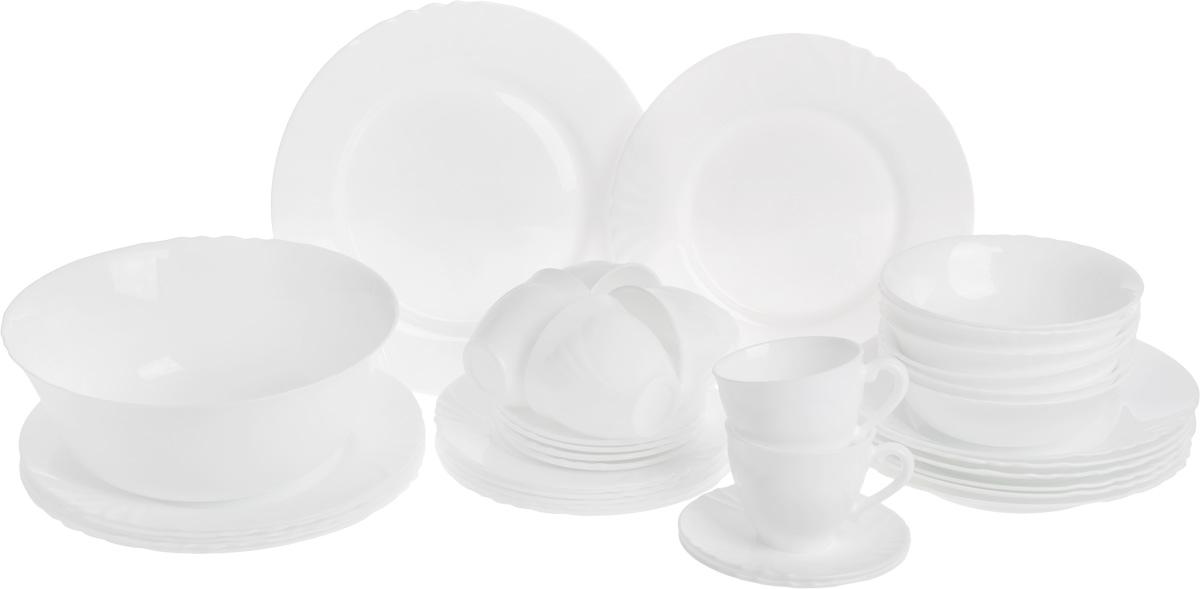 Набор столовой посуды Luminarc Cadix, 38 предметовJ9924Набор Luminarc Cadix состоит из 6 суповых тарелок, 6 обеденных тарелок, 6 десертных тарелок, блюда, большого салатника, 6 малых салатников, 6 чашек, 6 блюдец. Изделия выполнены из ударопрочного стекла, имеют изящный дизайн и красивую круглую форму с резными краями. Посуда отличается прочностью, гигиеничностью и долгим сроком службы, она устойчива к появлению царапин и резким перепадам температур. Такой набор прекрасно подойдет как для повседневного использования, так и для праздников или особенных случаев. Набор столовой посуды Luminarc Cadix - это не только полезный подарок для родных и близких, это также великолепное дизайнерское решение для вашей кухни или столовой. Изделия можно мыть в посудомоечной машине и использовать в микроволновой печи. Диаметр суповой тарелки: 22,5 см. Высота суповой тарелки: 3,5см. Диаметр обеденной тарелки: 25 см. Высота обеденной тарелки: 2,3 см. Диаметр десертной...
