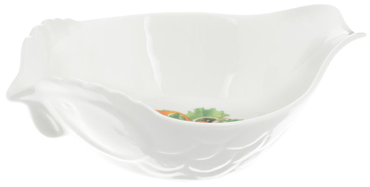 Салатник Elan Gallery Ассорти, 200 мл101234Салатник Elan Gallery Ассорти, выполненный из высококачественной керамики, оформлен изображением овощей. Он прекрасно подойдет для подачи различных блюд и освежит вашу сервировку среди традиционной посуды. Не подходит для использования в микроволновой печи. Не рекомендуется применять абразивные моющие средства. Размер салатника (по верхнему краю): 16 х 10,5 см. Высота: 5,5 см. Объем: 200 мл.