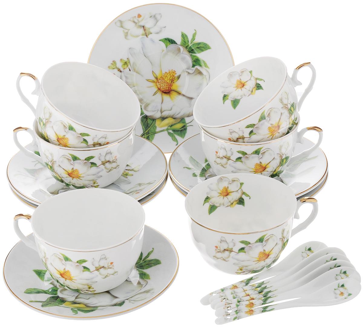 Набор чайный Elan Gallery Белый шиповник, с ложками, 18 предметов180685Чайный набор Elan Gallery Белый шиповник состоит из 6 чашек, 6 блюдец и 6 ложек. Изделия, выполненные из высококачественной керамики, имеют элегантный дизайн и классическую круглую форму. Такой набор прекрасно подойдет как для повседневного использования, так и для праздников. Чайный набор Elan Gallery Белый шиповник - это не только яркий и полезный подарок для родных и близких, это также великолепное дизайнерское решение для вашей кухни или столовой. Не использовать в микроволновой печи. Объем чашки: 250 мл. Диаметр чашки (по верхнему краю): 10 см. Высота чашки: 6 см. Диаметр блюдца (по верхнему краю): 15 см. Высота блюдца: 2 см. Длина ложки: 12,5 см.