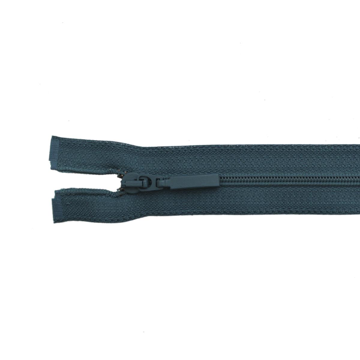 Застежка-молния витая Arta-F, цвет: морскаяволна (908), 70 см25370-908Продукция ARTA-F сертифицирована на Российский, Британский и Латвийский стандарт. Фурнитура ARTA-F изготавливается из европейских материалов, на современном оборудовании, в соответствии с высокими требованиями стандартов. Вся продукция фабрики проходит тесты на качество.Звено застежки-молнии Экстра имеет боковые приливы, которые исключают контакт замка с текстильной лентой, а сокращенный до минимума зазор между замком и приливами звена предохраняет от возможности попадания в замок подкладки, меха, нитей. В то же время эти меры повышают прочность застежки при высоких нагрузках, особенно на изгиб. Применение таких приливов на молниях ARTA-F не только повышает эксплуатационные качества застежки, но и увеличивает прочность крепления звена к ленте, и продлевает срок службы застежек-молний ARTA-F. Такая застежка-молния безопасна, легка в использовании и не повредит одежду.