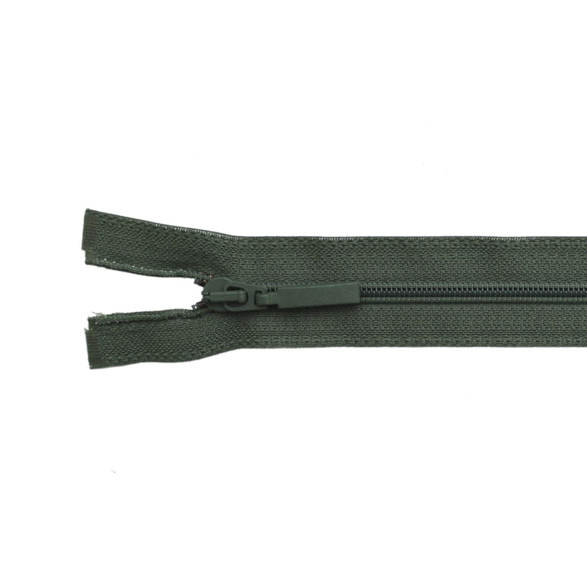 Застежка-молния витая Arta-F, цвет: хаки (870), 80 см25380-870Продукция ARTA-F сертифицирована на Российский, Британский и Латвийский стандарт. Фурнитура ARTA-F изготавливается из европейских материалов, на современном оборудовании, в соответствии с высокими требованиями стандартов. Вся продукция фабрики проходит тесты на качество.Звено застежки-молнии Экстра имеет боковые приливы, которые исключают контакт замка с текстильной лентой, а сокращенный до минимума зазор между замком и приливами звена предохраняет от возможности попадания в замок подкладки, меха, нитей. В то же время эти меры повышают прочность застежки при высоких нагрузках, особенно на изгиб. Применение таких приливов на молниях ARTA-F не только повышает эксплуатационные качества застежки, но и увеличивает прочность крепления звена к ленте, и продлевает срок службы застежек-молний ARTA-F. Такая застежка-молния безопасна, легка в использовании и не повредит одежду.
