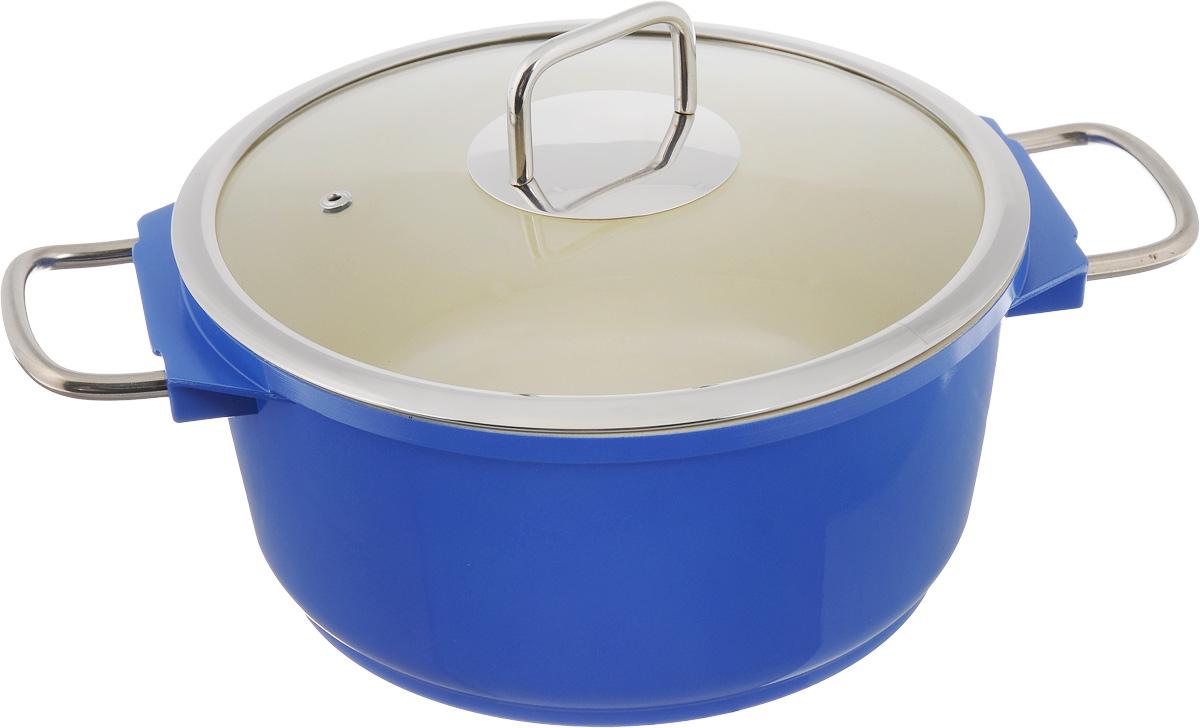 Кастрюля Mayer & Boch с крышкой, с керамическим покрытием, цвет: синий, 4,4 л21237_синийКастрюля Mayer & Boch изготовлена из высококачественного алюминия с керамическим покрытием. Керамика не содержит вредной примеси ПФОК, поэтому является экологически чистой и безопасной для здоровья. Кроме того, с таким покрытием пища не пригорает и не прилипает к стенкам, поэтому можно готовить с минимальным добавлением масла и жиров. Гладкая поверхность легко чистится - ее можно мыть в воде руками или вытирать полотенцем. Кастрюля эффективно сохраняет тепло и быстро разогревает продукты. Энергосберегающая технология позволяет готовить быстрее, с меньшими затратами энергии. Кастрюля оснащена металлическими ручками, что делает процесс эксплуатации более удобным и комфортным. Крышка из термостойкого стекла снабжена металлическим ободом, удобной металлической ручкой и отверстием для выпуска пара. Такая крышка позволит следить за процессом приготовления пищи без потери тепла. Она плотно прилегает к краям кастрюли, сохраняя аромат блюд. Подходит для использования на...