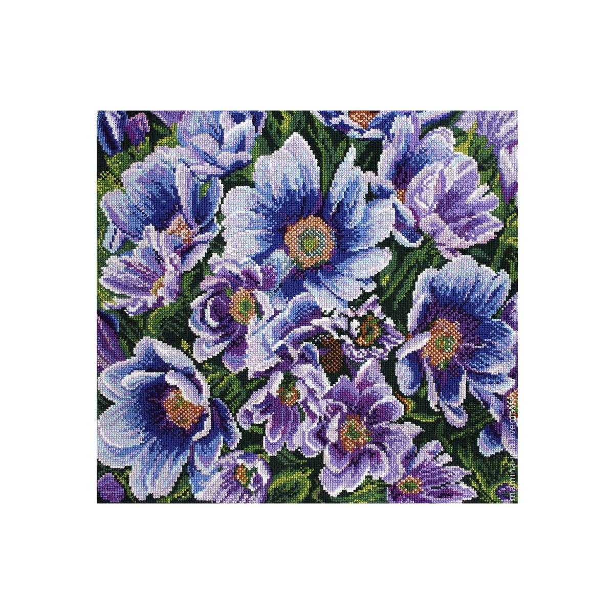 Канва с рисунком Матренин Посад Лилово-голубые цветы, 41 см х 41 см. 1211551128Размер: 41x41 см Рисунок полностью напечатан на канве. Указана цветовая карта ниток. Вышивать рекомендуется мулине в 3 сложения.