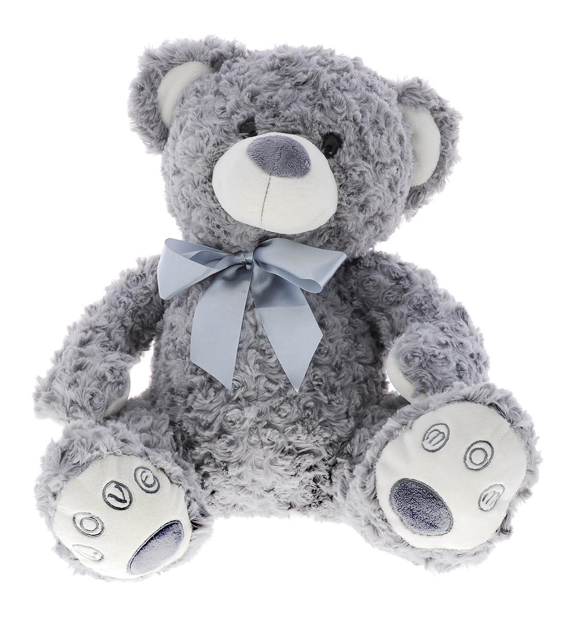 Sonata Style Мягкая игрушка Медведь с бантом 40 смNHP 21483Забавная мягкая игрушка Sonata Style Медведь с бантом не оставит вас равнодушным и вызовет улыбку у каждого, кто ее увидит. Игрушка выполнена в виде милого медвежонка. На шее у мишки повязан очаровательный бантик, который подчеркивает его стиль. Глазки изготовлены из пластика. Такая игрушка вызовет умиление не только у детей, но и у взрослых. Мягкая игрушка Sonata Style Медведь с бантом изготовлена из высококачественного текстиля, безопасного для детского здоровья.