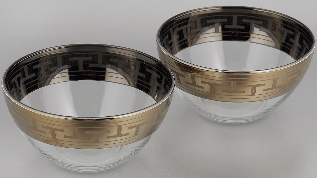 Набор салатников Гусь-Хрустальный Греческий узор, диаметр 16 см, 2 штGE01-1425Набор Гусь-Хрустальный Греческий узор, выполненный из высококачественного натрий-кальций-силикатного стекла, состоит из 2 глубоких салатников. Изделия оформлены красивым зеркальным покрытием и белым матовым орнаментом. Такие салатники прекрасно подходят для сервировки различных закусок, подачи салатов из свежих овощей, фруктов и многого другого. Набор Гусь-Хрустальный Греческий узор прекрасно оформит праздничный стол и удивит вас изысканным дизайном. Диаметр салатника: 16 см. Высота: 8 см.