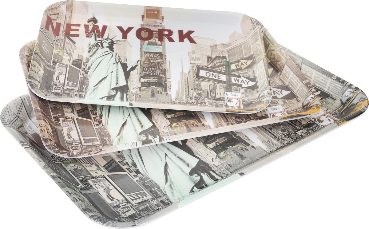 Набор подносов Mayer & Boch New York, 3 шт24782Оригинальный набор Mayer & Boch New York состоит из трех сервировочных подносов разного размера. Изделия, изготовленные из высококачественного пластика и украшены ярким изображением. Подносы отлично подойдут для красивой сервировки различных блюд, закусок и фруктов на праздничном столе. Набор подносов Mayer & Boch New York станет отличным подарком на любой праздник. Размер малого подноса (с учетом ручек): 29 х 20 х 1,6 см. Размер среднего подноса (с учетом ручек): 33,5 х 23 х 2 см. Размер большого подноса (с учетом ручек): 38,5 х 26,5 х 2,3 см.