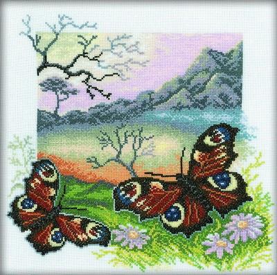 Набор для вышивания RTO Из серии Бабочки Павлиний глаз, 30 см х 30 см. M125M125Мулине на карте, разобранное по цветам, канва, символьная схема, игла, инструкция