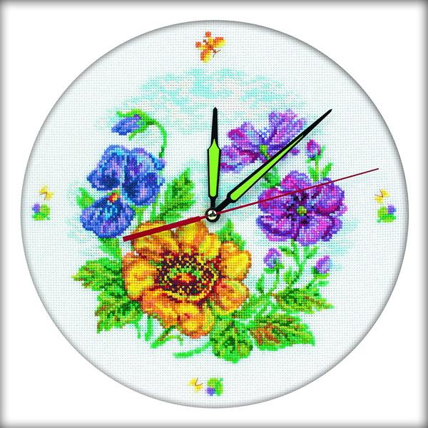 Набор для вышивания RTO Цветочные часы, 30 см х 30 см. M40006M40006Мулине на карте, разобранное по цветам, канва, символьная схема, игла, инструкция, часовой механизм со стрелками