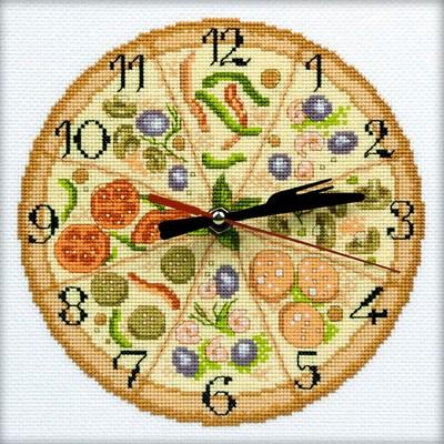 Набор для вышивания RTO Приятного аппетита, 20 см х 20 см. M40010M40010Мулине на карте, разобранное по цветам, канва, символьная схема, игла, инструкция, часовой механизм со стрелками