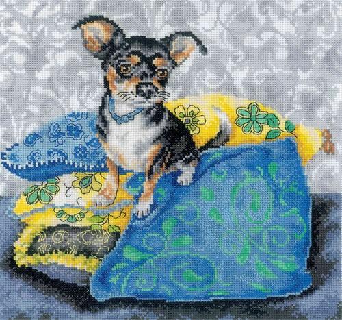 Набор для вышивания RTO Интерьерные собачки - Чихуахуа черный, 25 см х 25 см. M267M267Мулине на карте, разобранное по цветам, канва, символьная схема, игла, инструкция