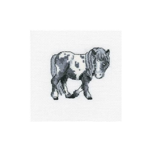 Набор для вышивания RTO Пятнистая лошадка, 10 см х 10 см. H254H254Мулине, канва, символьная схема, игла, инструкция
