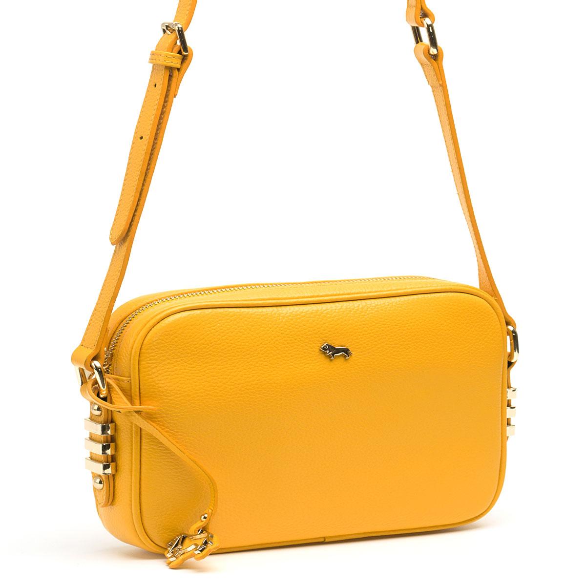 Сумка кросс-боди женская Labbra, цвет: желтый. L-8329L-8329Женская сумка торговой марки LABBRA из натуральной кожи. Сумка закрывается на металлическую молнию. Внутри - одно отделение, в котором есть карман на молнии, карман для мобильного телефона и открытый карман. Сумка имеет карман на задней стенке. Данная модель кросс-боди, длина наплечного ремня - 115 см.