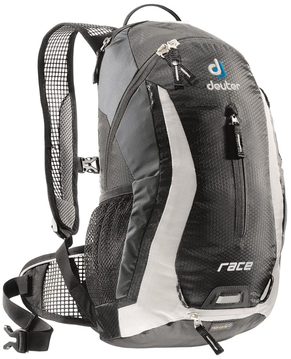 Рюкзак Deuter 2015 Race, цвет: черный, 10 л32113_7130Спортивный и обтекаемый рюкзак для велогонщиков. Простой дизайн и малый вес - идеальный выбор для сторонников минимального веса. Рюкзак обладает небольшим весом и отличной функциональностью. -Анатомические плечевые лямки и набедренный пояс с сетчатыми подушками обеспечивают идеальную посадку рюкзака -Наружный карман -Верхний карман с удобным доступом -Внутренний карман для ценных вещей -Отражатель 3M -Петля для крепления ночного габаритного фонарика Safety Blink -Крепления для системы снабжения питьевой водой -Чехол от дождя вентилируемая спинка Deuter Airstripes анатомические плечевые лямки из сетки и нагрудный ремень с удобной регулировкой набедренный пояс с сетчатыми крыльями небольшой верхний карман на молнии передний карман отражатели 3M спереди, сзади и по бокам внутренний карман для мелких вещей петля для крепления ночного габаритного фонарика чехол от дождя сетчатые боковые карманы