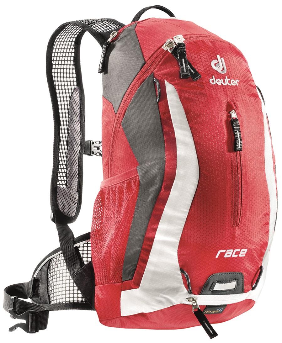 Рюкзак Deuter 2015 Race, цвет: красный, 10 л32113_5350Спортивный и обтекаемый рюкзак для велогонщиков. Простой дизайн и малый вес - идеальный выбор для сторонников минимального веса. Рюкзак обладает небольшим весом и отличной функциональностью. -Анатомические плечевые лямки и набедренный пояс с сетчатыми подушками обеспечивают идеальную посадку рюкзака -Наружный карман -Верхний карман с удобным доступом -Внутренний карман для ценных вещей -Отражатель 3M -Петля для крепления ночного габаритного фонарика Safety Blink -Крепления для системы снабжения питьевой водой -Чехол от дождя вентилируемая спинка Deuter Airstripes анатомические плечевые лямки из сетки и нагрудный ремень с удобной регулировкой набедренный пояс с сетчатыми крыльями небольшой верхний карман на молнии передний карман отражатели 3M спереди, сзади и по бокам внутренний карман для мелких вещей петля для крепления ночного габаритного фонарика чехол от дождя сетчатые боковые карманы