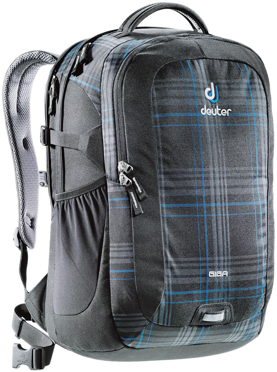 Рюкзак Deuter 2015 Daypacks Giga, цвет: черный, голубой, 28л80414_7309Рюкзак для учебы и офиса с множеством карманов и отделением для ноутбука 15. Спинка системы Airstripes обеспечивает вентиляцию и надежное прилегание к спине. Рюкзак Deuter Giga, первопроходец среди всех городских рюкзаков. Этот рюкзак был базовой моделью всей коллекции Deuter Daypacks, начиная с его появления на этом рынке, девять лет назад. Каждый новый сезон его цветовая гамма улучшалась и обновлялась, и этот сезон не стал исключением. Особенности: - эластичный съемный поясной ремень - увеличенное основное отделение, в котором хорошо помещаются папки для бумаг - усиленное дно имеет эластичную подкладку - мягкие компрессионные стропы - оригинальная и удобная ручка для переноски - объемный передний карман с органайзером - универсальная петля с отражателем - прочное и надежное отделение под ноутбук 15 дюймов, усиленное со всех сторон - дополнительный, объемный боковой сетчатый карман - материал Ballistic/Super-Polytex. - вес:950 грамм. - объем 28 литров. - размер...