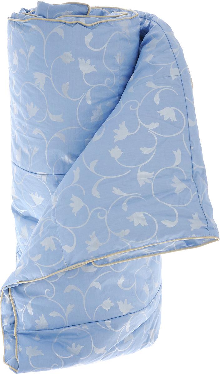 Одеяло легкое Легкие сны Камелия, наполнитель: гусиный пух, 140 х 205 см140(15)02-ЛОЛегкое 1,5-спальное одеяло Легкие сны Камелия поможет расслабиться, снимет усталость и подарит вам спокойный и здоровый сон. Оно наполнено серым гусиным пухом первой категории. Кассетное распределение пуха способствует сохранению формы и воздушности изделия. Легкое пуховое одеяло - универсальный вариант на осень, весну и лето. Облегченное исполнение гарантирует воздушность и терморегуляцию. Одеяло позволяет коже дышать, обеспечивая здоровый сон и полное восстановление сил на утро. Чехол изделия выполнен из пуходержащего тика небесно-голубого цвета с растительным рисунком. Тик - это натуральная хлопчатобумажная ткань, отличающаяся высокой плотностью, идеально подходит для пухо-перовых изделий, так как устойчива к проколам и разрывам, а также отличается долговечностью в использовании. Одеяло простегано и отделано по краю шелковым кантом золотистого цвета. Изделие можно стирать в стиральной машине.