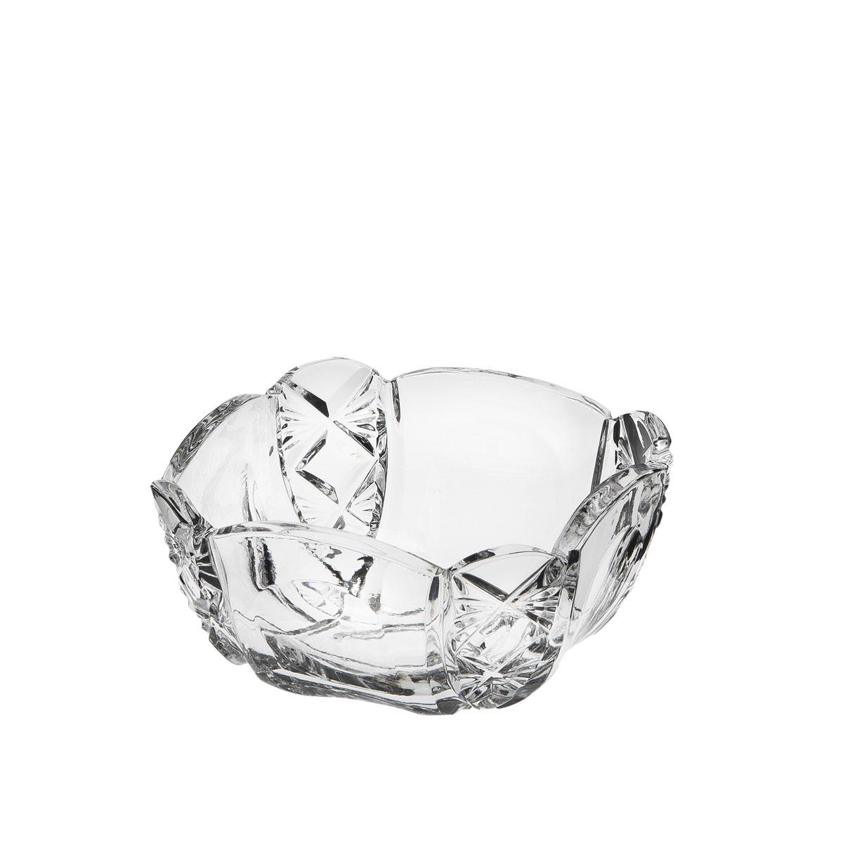 Ваза для сервировки стола Дятьковский хрусталь Деликатесная, малая. С630/5С630/5Ваза для сервировки из прозрачного хрусталя будет красиво и элегантно смотрится на столе и в качестве салатника, конфетницы или вазочки для печенья. Сверкающий хрусталь фирменного качества, тонкой огранки, с изумительным звучанием и завораживающими переливами света в гранях – одно из главных украшений праздничного застолья или официального приема и прекрасный подарок!