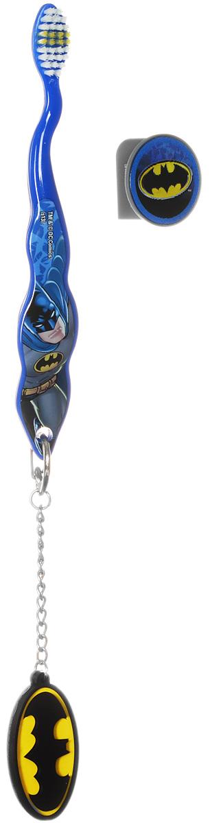 Batman Зубная щетка с защитным колпачком и брелокомBM-4Детская зубная щетка с защитным колпачком и брелоком Batman идеальна для детского ротика. Щетка имеет эргономичную ручку, небольшую чистящую головку, цветовое поле мягкой щетины для оптимального дозирования пасты. Ручка оформлена изображением Бэтмена. В комплекте с щеткой идет брелок с эмблемой Бэтмена и защитный колпачок с меняющимся при наклоне изображением. Возраст ребенка: от 3 до 6 лет.