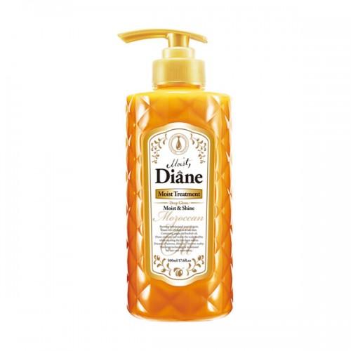 Бальзам Diane Moist & Shine Глубокое увлажнение сухих волос, 500 млdt02Бальзам с ароматом лесных ягод на основе масел придаёт блеск и сияние, увлажняя и оживляя волосы изнутри. Защищает от пагубных ультрафиолетовых лучей, увлажняет кожу головы, способствуя её регенерации, и помогает избавиться от перхоти. Стимулирует рост волос и борется с их выпадением, укрепляя волосяные луковицы. Фитостерин как стабилизатор гормонального баланса и иммунной системы предотвращает развитие седины, выпадение волос и различные виды аллопеции. Кератин, попадая на волосы, проникает в их структуру, заполняет собой мельчайшие трещинки, склеивает посеченные кончики и наполняет волосы дополнительной прочностью и объёмом.Рекомендуется использовать в комплексе с шампунем для волос той же линии.