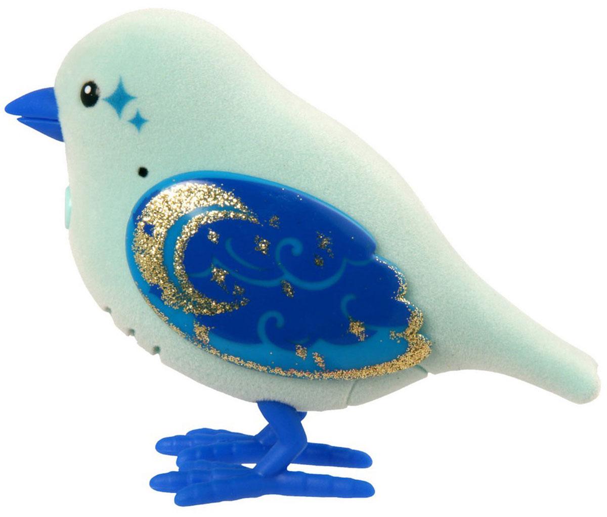 Moose Интерактивная игрушка Говорящая птичка Molly Moonbeam28225/ast28222 (28224, 28225, 28226, 28227, 28228, 28229)Интерактивная игрушка Moose Говорящая птичка Molly Moonbeam - это замечательный друг для того, кто всегда мечтал завести у себя дома пернатую. Яркая птичка выполнена из высококачественных материалов и имеет приятное на ощупь флоковое покрытие. Ее крылья переливаются и блестят на солнце. На спинке у птички сенсорный датчик. Если ее погладить по голове, она споет для вас. Molly щебечет и тихо поет, чтобы на нее обратили внимание, но через полчаса в одиночестве она засыпает. Чтобы разбудить питомца, нужно нажать на кнопку на груди. Кроме того, Molly Moonbeam не только щебечет и напевает, но еще и умеет запоминать и воспроизводить фразы, которые она слышит. Ваш ребенок будет в восторге от такого подарка! Необходимо докупить 2 батарейки напряжением 1,5V типа ААА (не входят в комплект).
