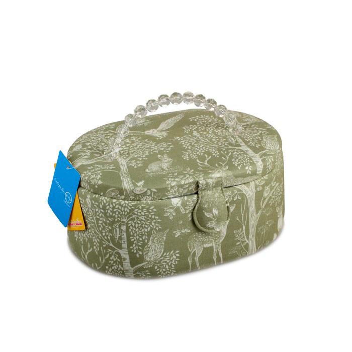 Шкатулка для рукоделия RTO. 3786-RT-553786-RT-55Деревянный каркас (сосна), пластиковые элементы, пластиковый поддон и игольница внутри, обтянута хлопковой тканью