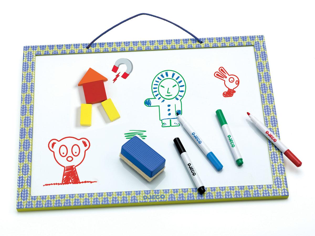 Djeco Магнитная доска для рисования03140Магнитная доска для рисования Djeco прекрасно подойдет для игр с магнитными пазлами и фигурками, а также для детского творчества. На доске можно размещать фигуры на магнитах, можно складывать цифры, изучать алфавит. Доска имеет специальное магнитное поле белого цвета, на котором удобно рисовать специальными фломастерами, затем изображение можно стереть губкой. Магнитную доску можно размещать прямо на столе или повесить на стену в детской комнате. В наборе: магнитная доска, 4 фломастера, губка.