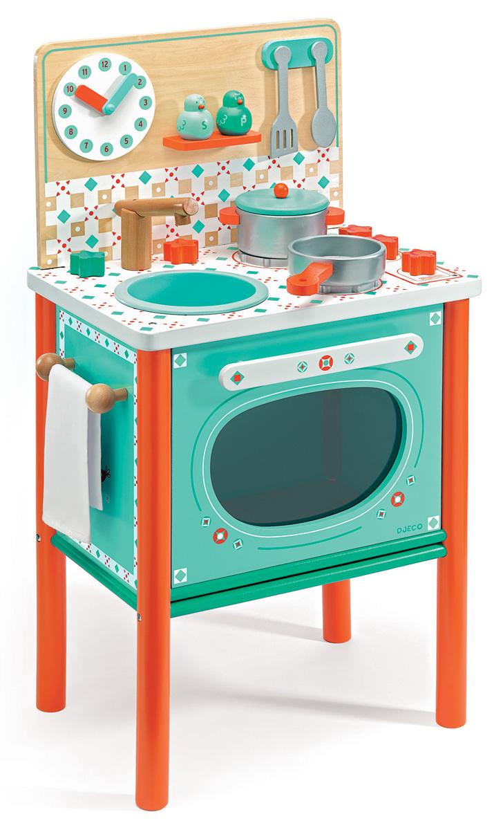 Djeco Игровой набор Маленький завтрак06626На этой замечательной детской кухне есть все самое необходимое для того, чтобы приготовить вкусный обед для своих игрушечных друзей. Варочная панель имеет 2 конфорки. Дверца плиты открывается и внутрь можно поставить посуду для приготовления. С помощью часиков можно познакомиться с числами и временем. В комплекте есть также множество аксессуаров, которые сделают игру интереснее: сковородка, кастрюля, солонка и перечница, полотенце, ложечка и лопатка. Кухня выполнена в красивых тонах. Дерево покрыто безопасными нетоксичными красками. Набор прекрасно развивает моторику маленьких ручек малыша, фантазию и воображение.
