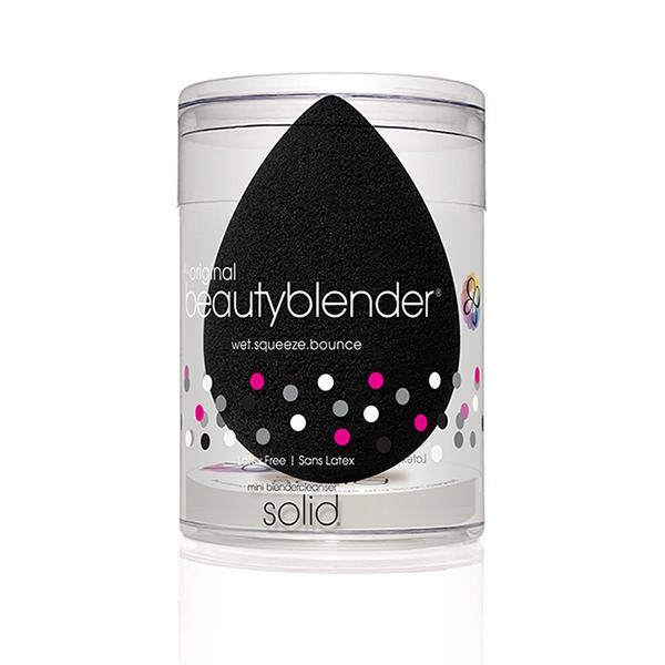 Beautyblender Спонж pro и мини мыло для очистки Solid Blendercleanser1039pro икона-версия продукта beautyblender, созданная специально для профессионалов, - это самый лучший вариант для нанесения косметических продуктов темных оттенков, стойких средств, а так же средств для автозагара. Дает наиболее плотное покрытие, подходит для вечернего макияжа. Мыло blendercleanser идеально подходит для очищения спонжа. Удобно для путешествий, для точечного очищения, для очищения кистей. А легкая отдушка лаванды создаст атмосферу гармонии.