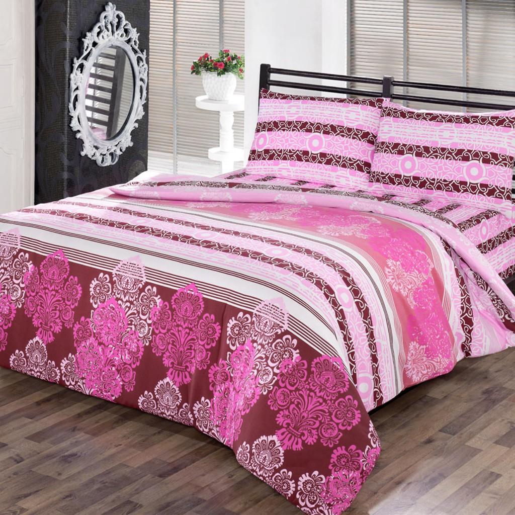 Комплект белья Brielle Daydream, 2-спальный, наволочки 50х70, цвет: розовый, белый, бордовый1111Роскошный комплект постельного белья Brielle Daydream выполнен из качественного плотного поликоттона. Комплект состоит из двух пододеяльников, простыни и двух наволочек. Пододеяльник застегивается на пуговицы. Поликоттон - это ткань, состоящая 40% из натурального хлопка (cotton с английского переводится именно как хлопок), а 60% - из полиэфирного волокна. Доверьте заботу о качестве вашего сна высококачественному натуральному материалу. Рекомендации по уходу: Деликатная стирка при температуре воды до 30°С. Отбеливание запрещено. Глажка при температуре подошвы утюга до 150°С. Разрешается бережная барабанная сушка и деликатная химчистка.