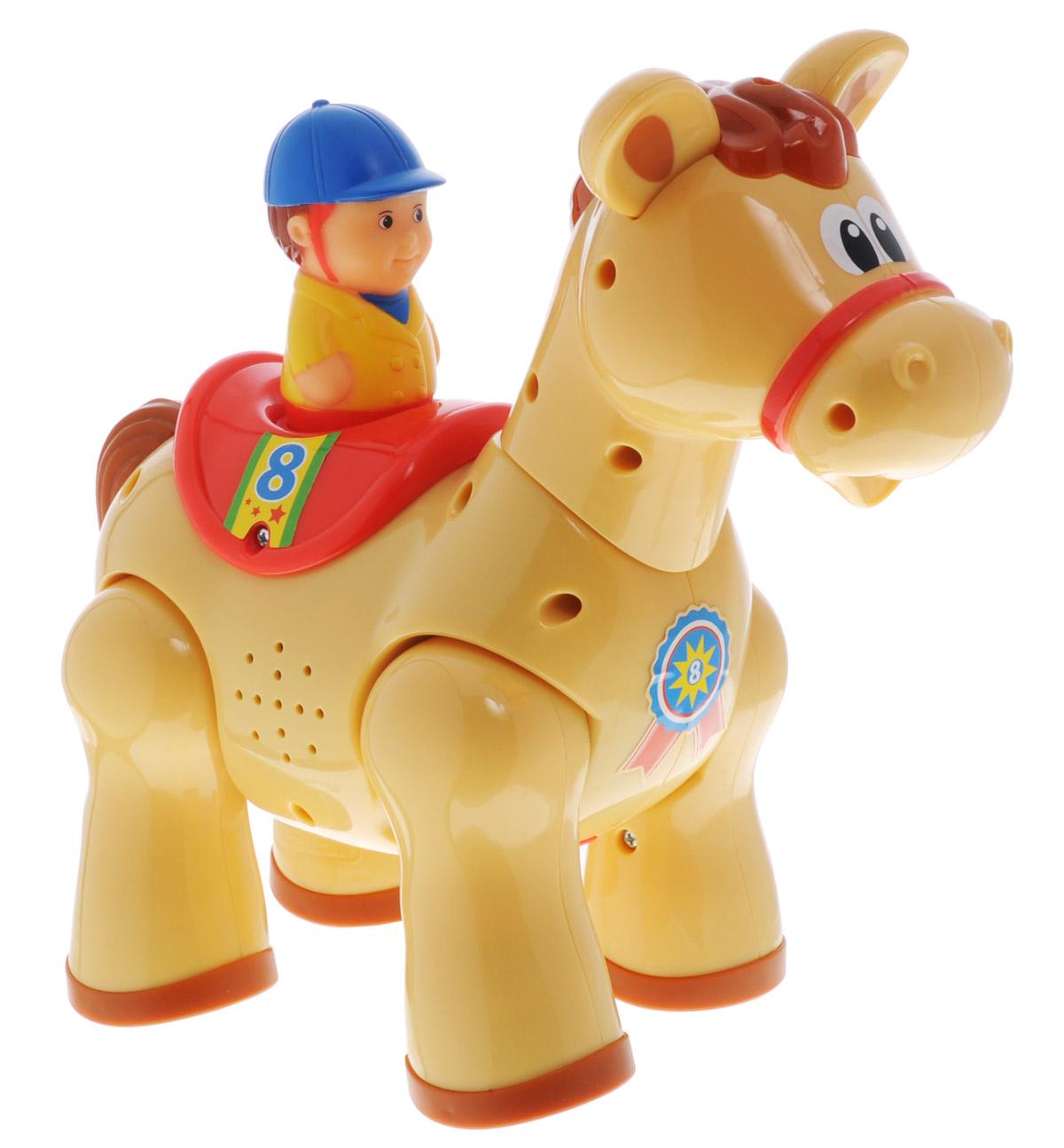 Kiddieland Развивающая игрушка на радиоуправлении ПониKID 051722Развивающая игрушка Kiddieland Пони с пультом управления не оставит малыша равнодушным, доставив ему множество веселых моментов. Лошадка с помощью пульта дистанционного управления может скакать вперёд, кивая головой, с забавными звуками и весёлой музыкой (слышится цокот копыт, ржание) и разворачиваться на 360°. Эта игрушка поможет вашему малышу ознакомиться с причинно-следственными связями, разовьет мелкую моторику и творческое мышление. Питание: 3 батареи 1,5V АА (входят в комплект).