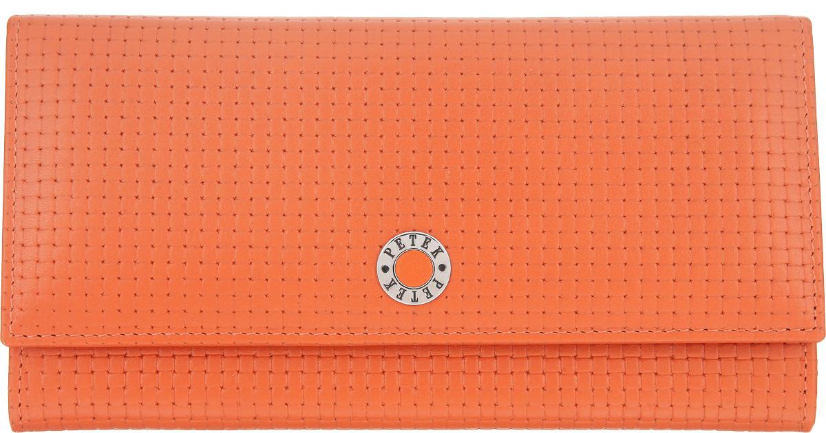 Портмоне женское Petek 1855, цвет: оранжевый. 379.020.89379.020.89 Orange PopsicleЭлегантное женское портмоне Petek 1855 выполнено из натуральной кожи с декоративным фактурным тиснением, оформлено металлической фурнитурой с символикой бренда. Изделие закрывается клапаном на кнопку, внутри содержит: отделение для купюр, три кармашка для мелких документов, пять карманов для кредитных карт, один из которых дополнен сетчатой вставкой. Снаружи, на задней стороне изделия, расположены: вместительный открытый кармашек и врезной карман на молнии. Изделие упаковано в коробку из плотного картона с логотипом фирмы. Это очаровательное портмоне непременно подойдет к вашему образу, порадует стилем и функциональностью.