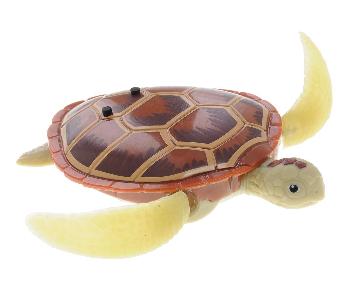 Robofish Интерактивная игрушка РобоЧерепашка цвет коричневый25157Интерактивная игрушка Robofish РобоЧерепашка активируется при погружении в воду, шевелит ластами и плывет как настоящая водоплавающая черепаха. Черепашка может ползать по суше, пока внутри игрушки сохраняется влага. Для включения РобоЧерепашки просто опустите ее в воду, а для выключения - извлеките ее из воды и протрите мягкой чистой тканью. В целях экономии энергии Черепашка автоматически отключается через 4 минуты. Для повторного включения извлеките ее из воды на 5 секунд, стряхните лишнюю воду и опустите обратно. Интерактивная игрушка Robofish РобоЧерепашка работает от двух батареек типа LR44 (2 вставлены в игрушку, 2 запасные входят в комплект).