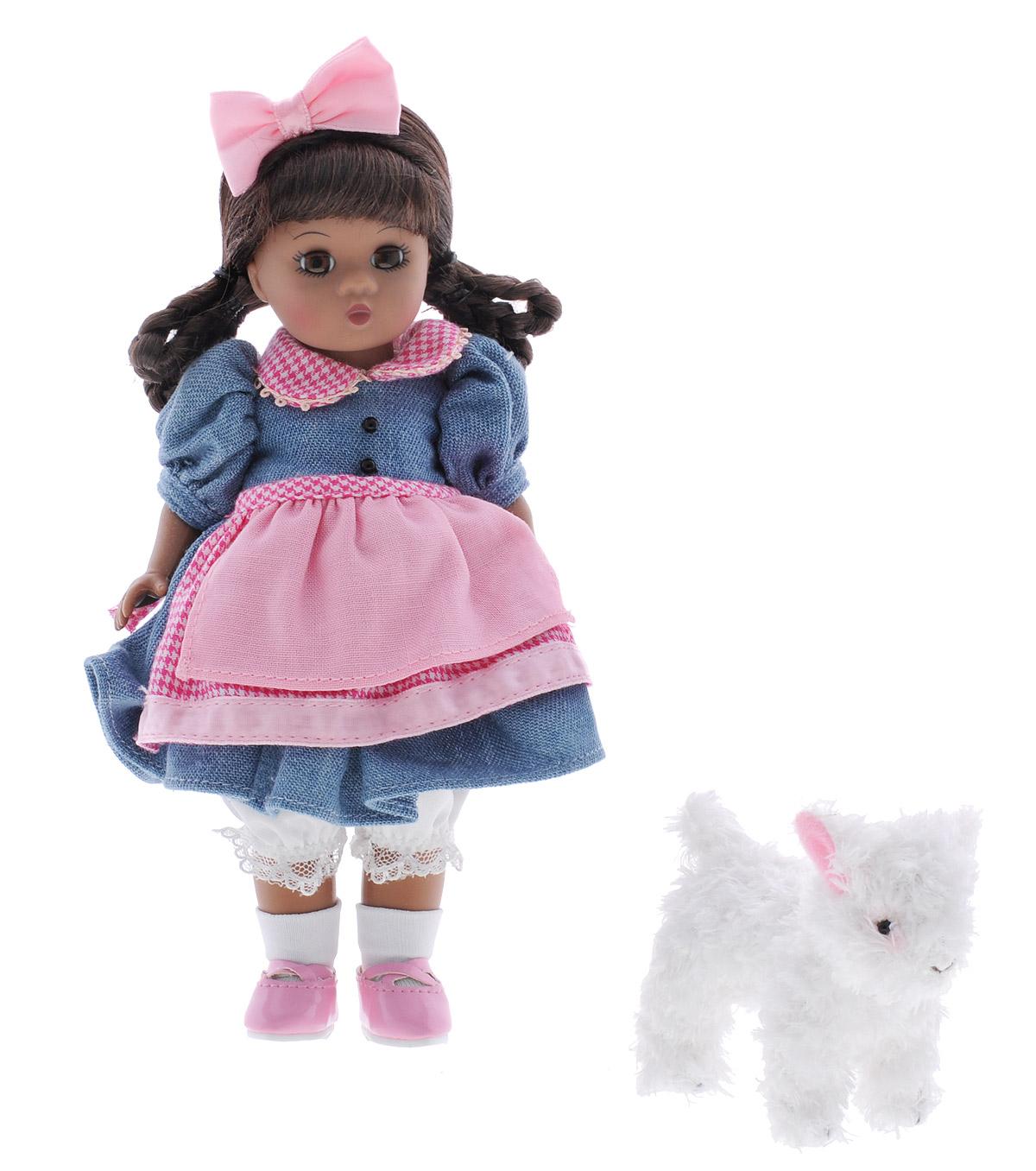 Madame Alexander Мини-кукла Мэри с барашком64596Мини-кукла Madame Alexander Мэри с барашком станет прекрасным украшением любой коллекции вашей дочурки. Кукла с личиком Венди кареглазая. Темные волосы заплетены в косы. Одета в платьице, поверх которого двойной фартучек. Нижний слой фартука и воротничок выполнены из ярко-розового хлопка в клеточку. Образ куклы детально проработан. У нее имеются даже кружевные панталоны, на ногах белые носочки и розовые ботиночки с ремешками, а на голове милый бантик. В наборе с куклой очаровательный плюшевый барашек. Руки, ноги и голова куклы подвижны. Реалистичные глазки куклы закрываются, если положить ее на спину.