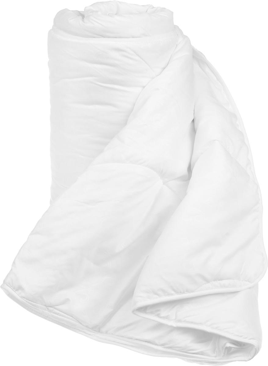 Одеяло легкое Легкие сны Тропикана, наполнитель: бамбуковое волокно, 172 x 205 см172(40)07-БВОЛегкое одеяло Легкие сны Тропикана с наполнителем из бамбукового волокна обладает множеством преимуществ. Оно воплощает в себе все лучшие качества природного и экологически безопасного материала. Его наполнитель хорошо сохраняет тепло и пропускает воздух, что позволяет использовать такое одеяло круглый год. Волокно бамбука - это натуральный материал, добываемый из стеблей растения. Он обладает способностью быстро впитывать и испарять влагу, а также антибактериальными свойствами, что препятствует появлению пылевых клещей и болезнетворных бактерий. Изделия с наполнителем из бамбука отличаются превосходными дезодорирующими свойствами, мягкие, легкие, простые в уходе, гипоаллергенные и подходят абсолютно всем. Чехол одеяла выполнен из микрофибры белого цвета с тиснением в виде растительного рисунка. Одеяло простегано и окантовано. Стежка надежно удерживает наполнитель внутри и не позволяет ему скатываться. Можно стирать в...