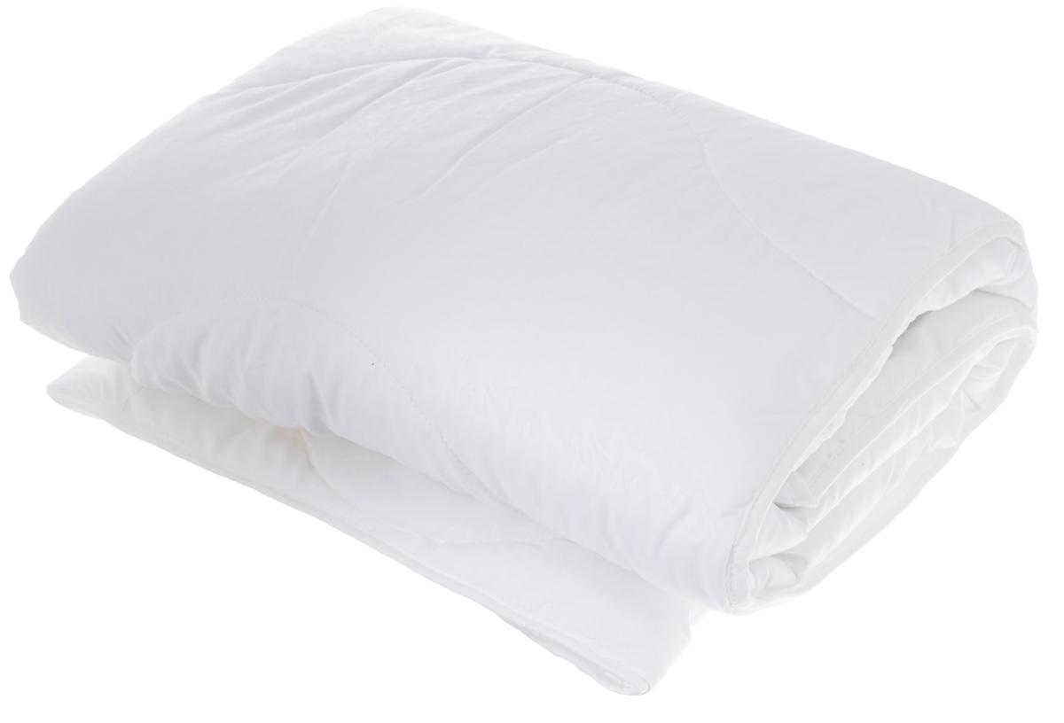 Одеяло легкое Легкие сны Перси, наполнитель: лебяжий пух, 140 х 205 см140(42)07-ЛПОЛегкое стеганное одеяло Легкие сны Перси подарит вам непревзойденную мягкость и нежность. В качестве наполнителя используется синтетический сверхтонкий и практически невесомый материал, названный лебяжьим пухом. Изделия с наполнителем из искусственного пуха легкие, мягкие и не вызывают аллергии, хорошо пропускают воздух, за ними легко ухаживать. Важно заметить, что синтетический пух столь же легок и приятен на ощупь, что и его натуральный прототип. Чехол одеяла выполнен из микрофибры (100% полиэстер) с узорным тиснением. Рекомендации по уходу: Деликатная стирка при температуре воды до 30°С. Отбеливание, барабанная сушка и глажка запрещены. Разрешается деликатная химчистка.