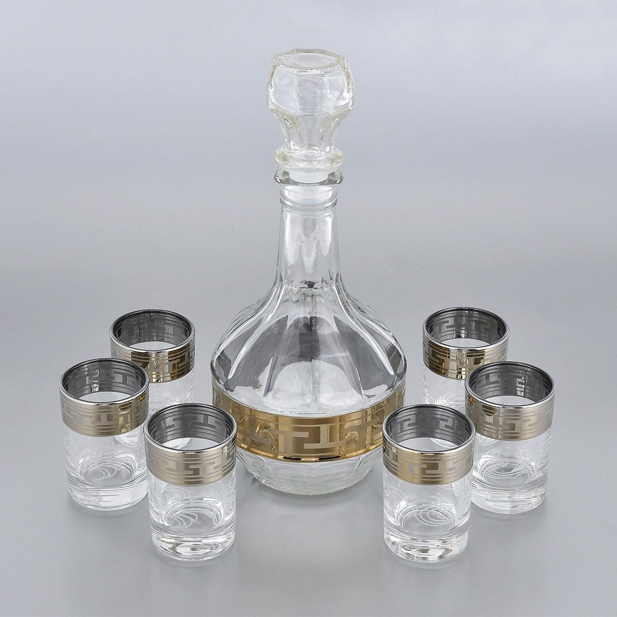 Набор стопок Гусь-Хрустальный Греческий узор, с графином, 7 предметовGE01-500/837Набор Гусь-Хрустальный Греческий узор состоит из шести стопок и графина, изготовленных из прочного натрий-кальций-силикатного стекла. Изделия, предназначенные для подачи водки и других спиртных напитков, несомненно придутся вам по душе. Рюмки и графин сочетают в себе элегантный дизайн и функциональность. Набор стопок Гусь-Хрустальный Греческий узор идеально подойдет для сервировки стола и станет отличным подарком к любому празднику. Диаметр стопки: 4,5 см. Высота стопки: 7 см. Объем стопки: 60 мл. Высота графина: 23,5 см. Объем графина: 500 мл. Уважаемые клиенты! Обращаем ваше внимание на незначительные изменения в дизайне товара, допускаемые производителем. Поставка осуществляется в зависимости от наличия на складе.