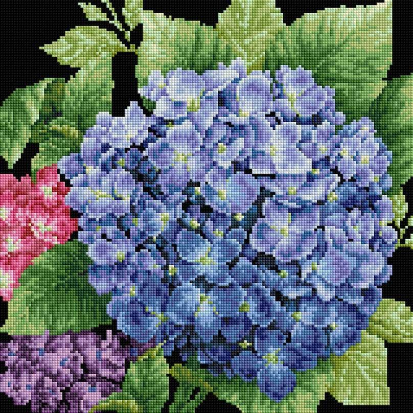Мозаика на подрамнике Садовая гортензия, 40 х 40 см143-ST-SОснова мозаичной картины - холст на подрамнике усиленный листом оргалита. Тип камней: квадратные 2,5 см х 2,5 мм. Размер готовой работы: 40 см х 40 см. 36 цветов.
