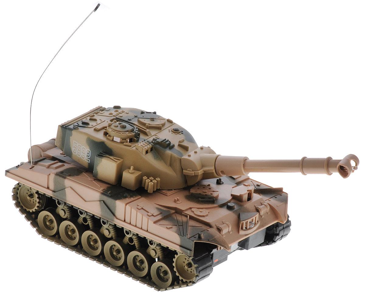 ABtoys Танк на радиоуправлении C-00115C-00115Радиоуправляемый танк, ABtoys, C-00115. Такой танк станет желанным подарком любого мальчишки, который просто не сможет пройти мимо него. Такая модель игрушечного радиоуправляемого танка может передвигаться вперед и назад, поворачивать в левую и в правую сторону, а также разворачиваться на месте на 360 градусов. Танк имеет интересные световые эффекты.