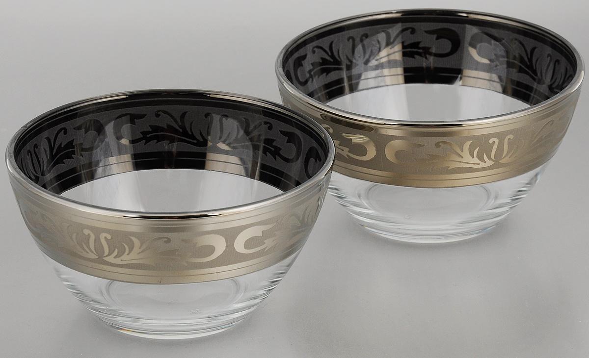 Набор салатников Гусь-Хрустальный Русский узор, диаметр 13 см, 2 штGE09-1542Набор Гусь-Хрустальный Русский узор, выполненный из высококачественного натрий-кальций-силикатного стекла, состоит из 2 глубоких салатников. Изделия оформлены красивым зеркальным покрытием и белым матовым орнаментом. Такие салатники прекрасно подходят для сервировки различных закусок, подачи салатов из свежих овощей, фруктов и многого другого.