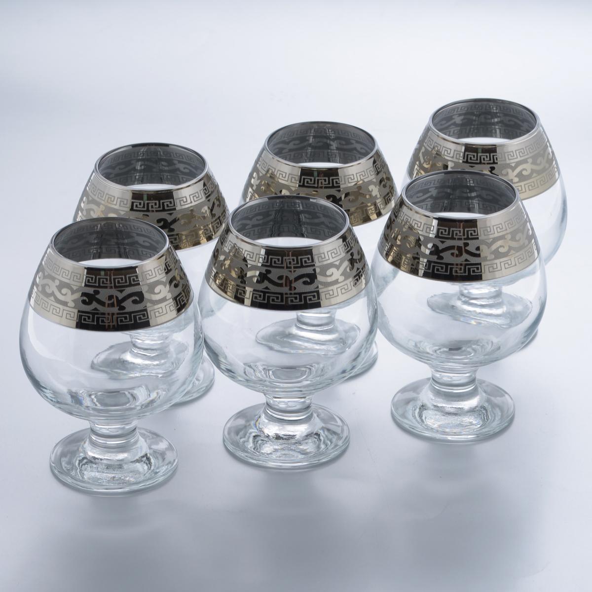 Набор бокалов для бренди Гусь-Хрустальный Версаче, 400 мл, 6 штGE08-188Набор Гусь-Хрустальный Версаче состоит из 6 бокалов, изготовленных из высококачественного натрий-кальций-силикатного стекла. Изделия оформлены красивым зеркальным покрытием и широкой окантовкой с оригинальным узором. Бокалы предназначены для подачи бренди. Такой набор прекрасно дополнит праздничный стол и станет желанным подарком в любом доме. Разрешается мыть в посудомоечной машине. Диаметр бокала (по верхнему краю): 5,5 см. Высота бокала: 12,5 см. Диаметр основания бокала: 6,4 см.
