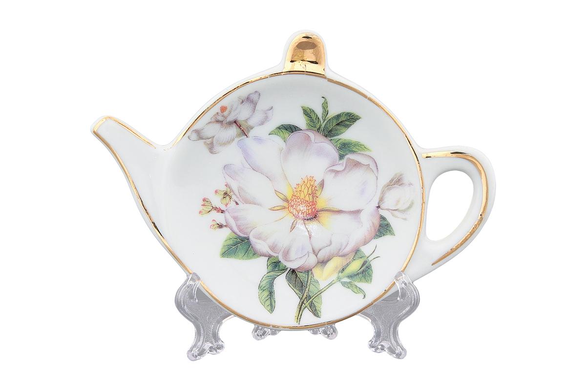 Розетка-подставка под чайный пакетик Elan Gallery Белый шиповник180337Розетка-подставка для чайных пакетиков, выполненная в форме чайничка, изготовлена из высококачественной керамики. Розетка-подставка придется по вкусу любой хозяйке, так как кухонный стол всегда останется чистым, без нежелательных разводов от чайных пакетиков.