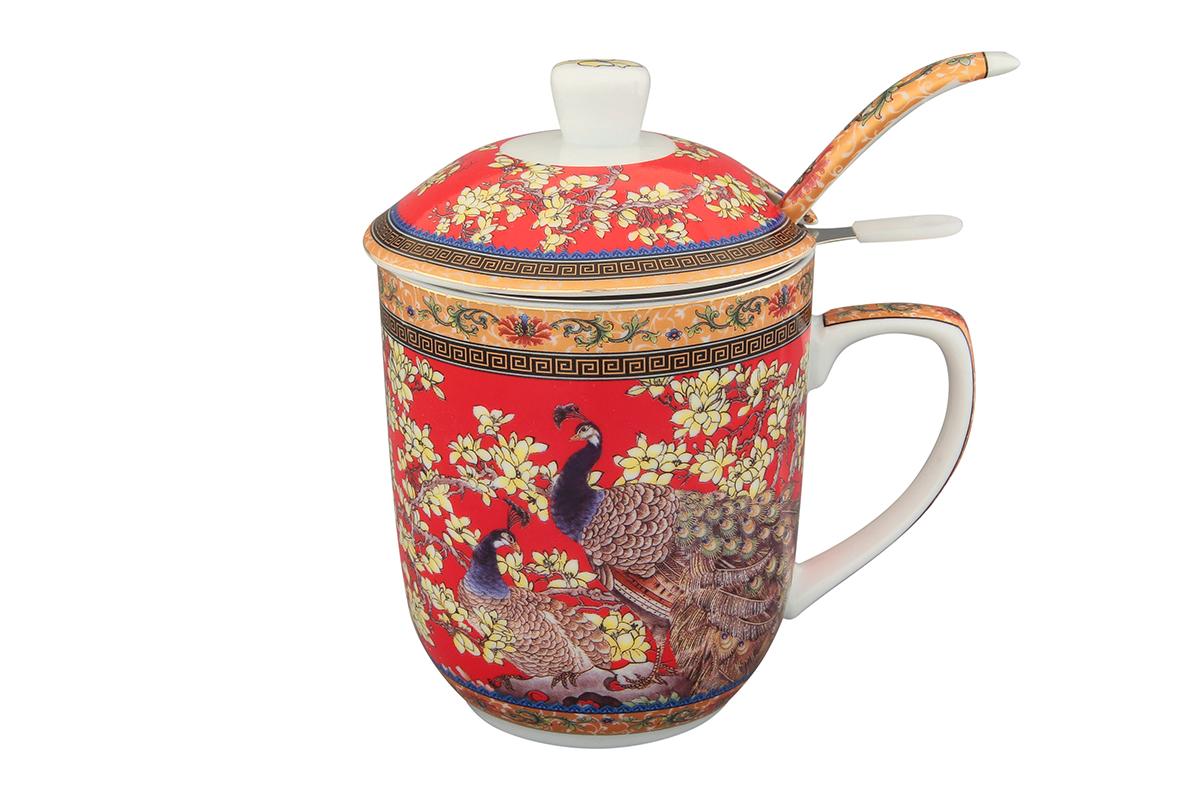 Кружка с металлическим ситом Elan Gallery Павлин, с ложкой, 320 мл. 180846180846Великолепная кружка с металлическим ситом для заваривания чая и ложкой станет желанным подарком и украсит ваше чаепитие.