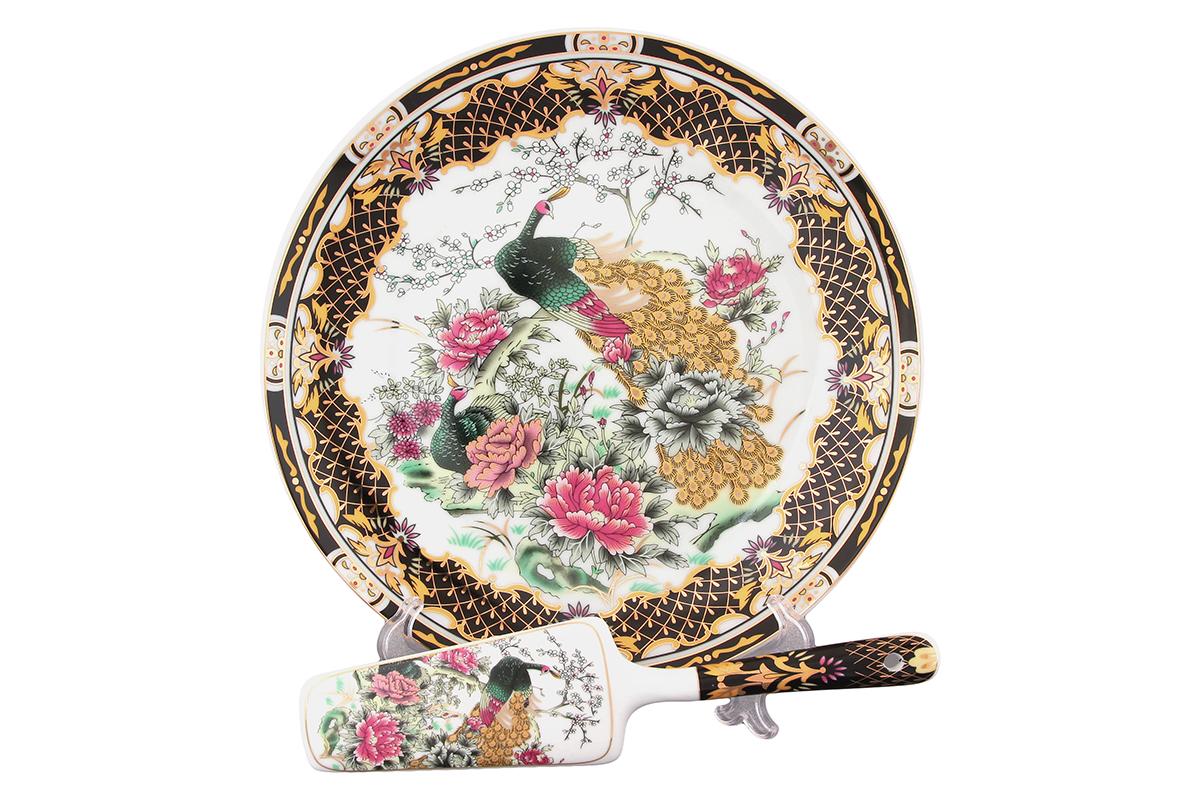 Подставка под торт Elan Gallery Павлин, с лопаткой. 180858180858Красочная посуда подарит настроение и уют, привнесет разнообразие в приготовление ваших любимых блюд и сервировку семейного стола.