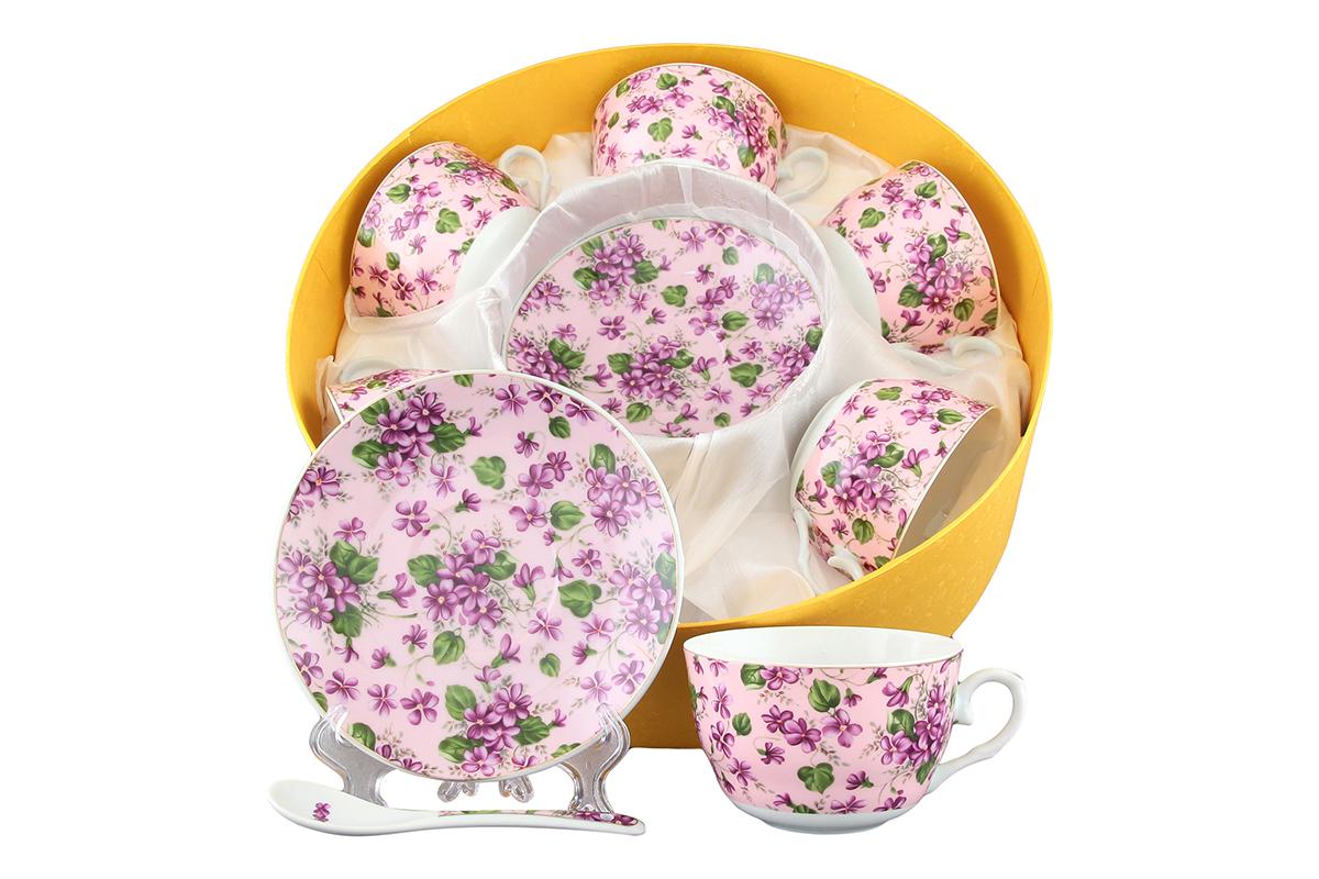 Чайный набор Elan Gallery Анютины глазки, 12 предметов с ложками730468Чайный сервиз на 6 персон из традиционной коллекции Анютины глазки неотъемлемый атрибут чаепития и служит не только посудой, но и источником эстетического наслаждения. В сервизе 6 чашек объемом 250 мл, 6 блюдец, 6 ложек. Изделие имеет подарочную упаковку, идеальный подарок для ваших близких! Размеры: 60x110x95 мм, 140x140x20 мм.